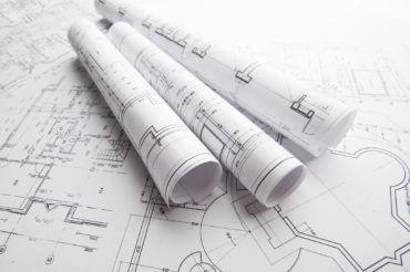 Mam na imię Tomek, mam działkę i chcę na niej zbudować dom. Od czego powinienem zacząć?